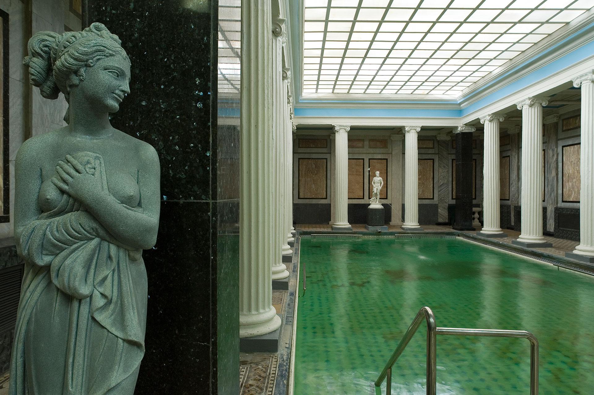 Das Badehaus Sanduny oder Sandunowskije Banja ist die älteste und schönste öffentliche Banja in Moskau das auch schon von Puschkin und Tschechow besucht wurde