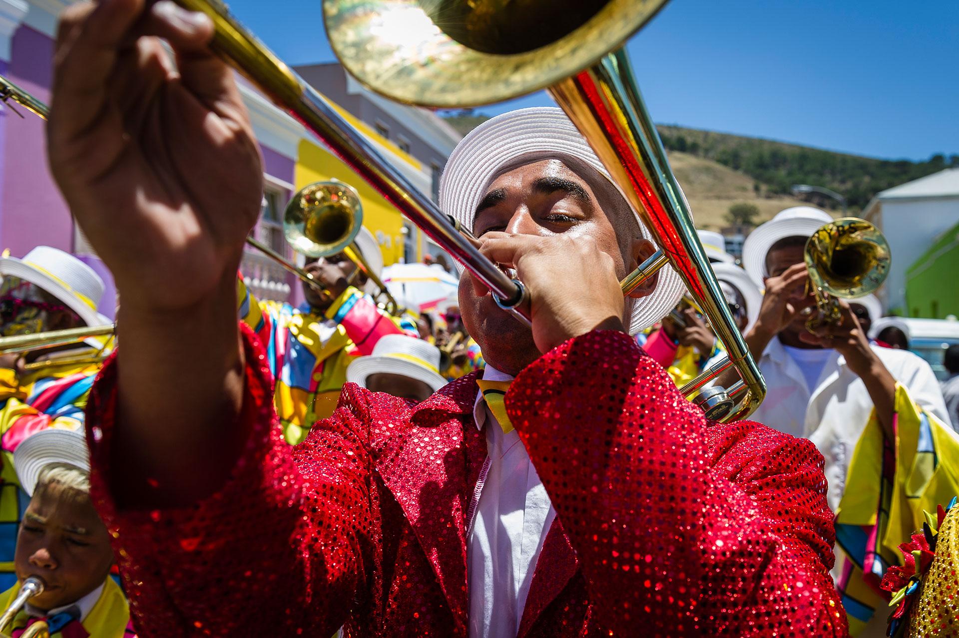 Afrika Sued Afrika Kapstadt Stadtteil Bo-Kaap Kapmalaien Malaienviertel Malay Quarter Fest Neujahrsfest Parade Coon Karneval Musiker Posaune Trompete