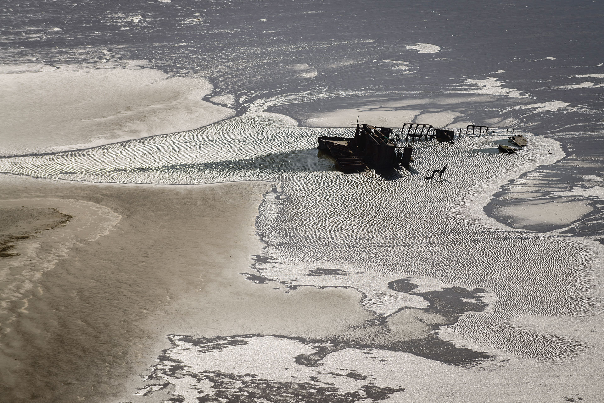 In der Unterweser vor Bremerhaven auf der Sandbank Mellum Plate liegt das Wrack eines Stückgutfrachters namens Balmoral