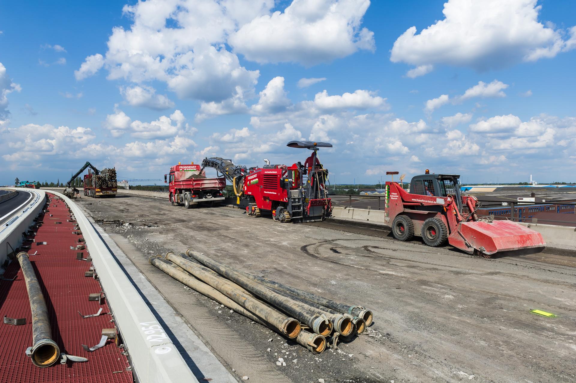 In Duisburg werden Brückensanierung auf der Autobahn A59 vorgenommen
