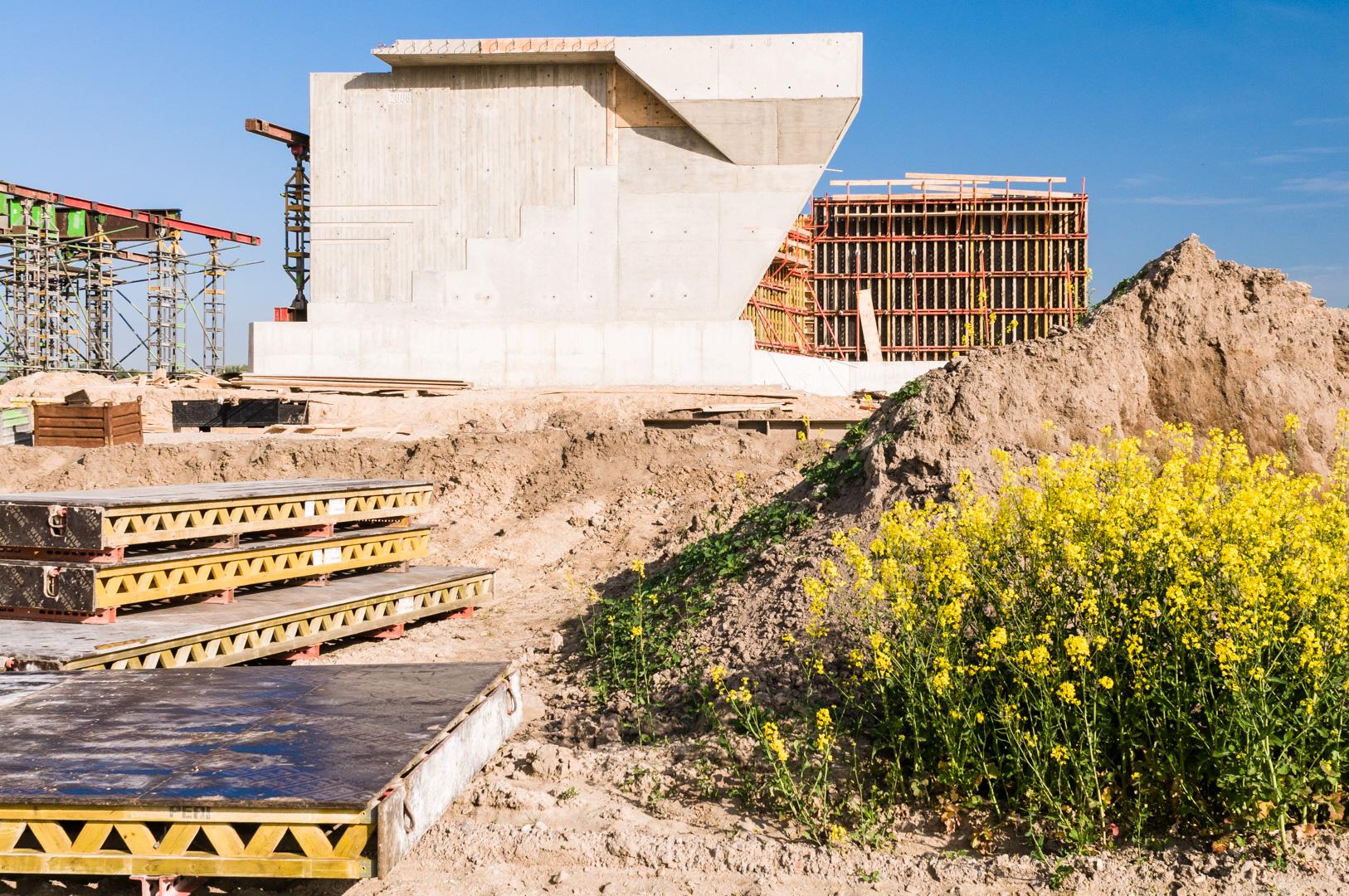 Baustelle Brückenpfeiler beim Flughafen Schönefeld