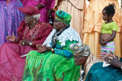 Afrika, Namibia, Otjozondjuba, Ongongoro, Hochzeit, Feier, Fest, Herero, Stamm, Frau, Frauen, Tracht, Tradition, festlich, Gekleidet, Kleider, Haube, Alt, Alter, Alte Damen,